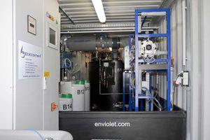 UV-conteneurs comportant des réservoirs dans le conteneur